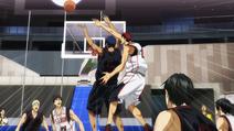 Kagami blokuje Aomine