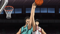 Masami and Mitobe fight for the rebound