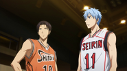 Takao talks to Kuroko before their match