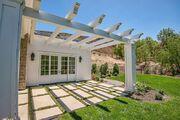 Kylie-jenner-6-million-mansion-house-home-hidden-hills-27-compressed