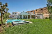 Kylie-jenner-6-million-mansion-house-home-hidden-hills-51-compressed