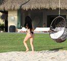 Kylie-Jenner-in-Bikini--05