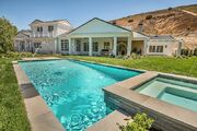 Kylie-jenner-6-million-mansion-house-home-hidden-hills-52-compressed