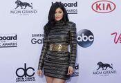 Kylie-Jenner---Billboard-Music-Awards-2015--03