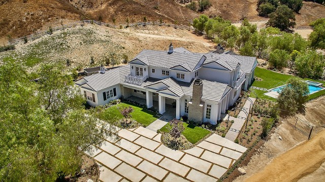 Kylie Jenner 6 Million Mansion House Home Hidden Hills 2 640x359 Jpg