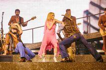 Golden Tour 1