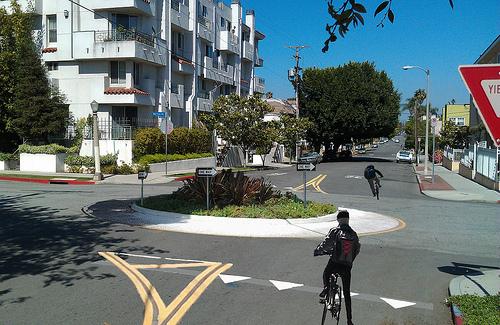 File:4th-norton-roundabout.jpg