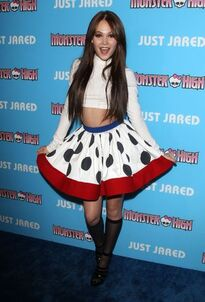 Kelli-berglund-just-jared-s-throwback-thursday-party-in-los-angeles-march-2015 2