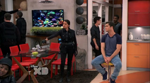 A Bionic Soldier Give Adam A -king tratament- (Lab Rats 3x20 Bionic Houseparty)
