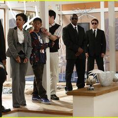 The agents capture Parallel Leo, Donald and Tasha