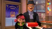 Ladybug Christmas Special (17)