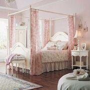 Różowy baldachim