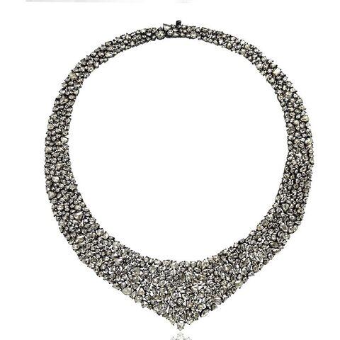 File:Sutra - Diamond necklace.jpg