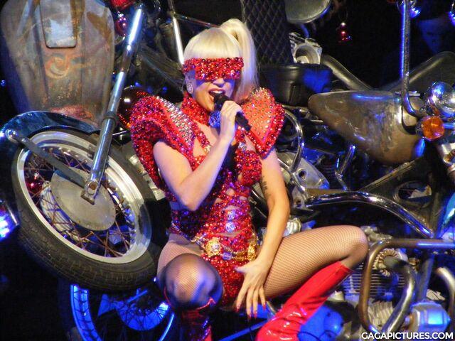 File:KIIS FM Jingle Ball (2011)-00.jpg
