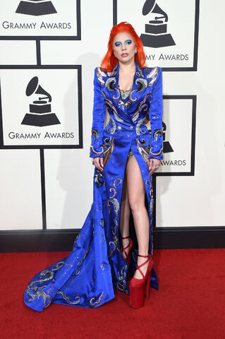 File:2-15-16 Red Carpet at 58th Grammy Awards at Staples Center in LA 001.jpg
