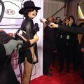11-3-13 At YouTube Music Awards - Red carpet 001