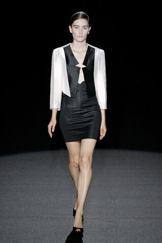File:Bruno Pieters ss 2009 white jacket.jpg