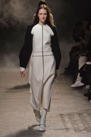 File:Aganovich Fall Winter 2012 White zipped front black sleeved outfit.jpg