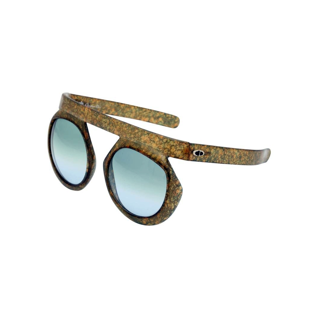 Файл:Christian Dior 2006 Sunglasses.jpg