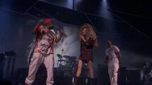 9-1-13 iTunes Festival - Jewels and Drugs performance 001