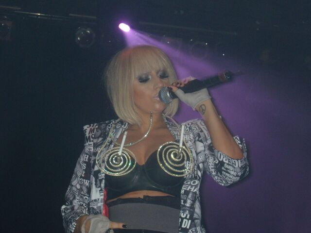 File:6-19-09 The Fame Ball Tour at Kool Haus in Toronto 003.JPG