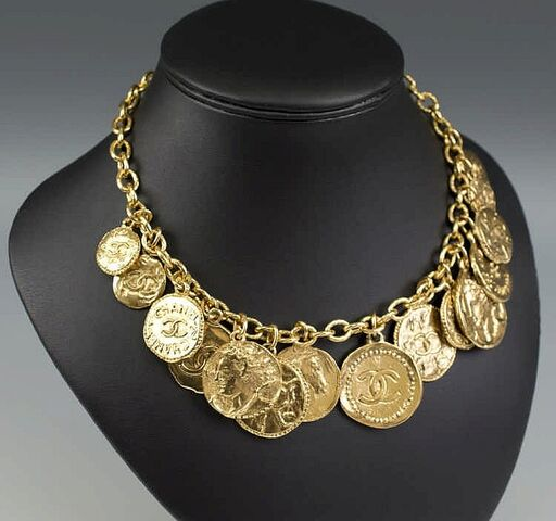 File:Chanel - Coins necklace.jpg