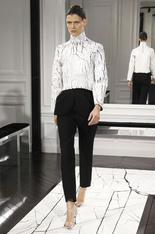 File:Balenciaga - Fall-Winter 2013.jpg