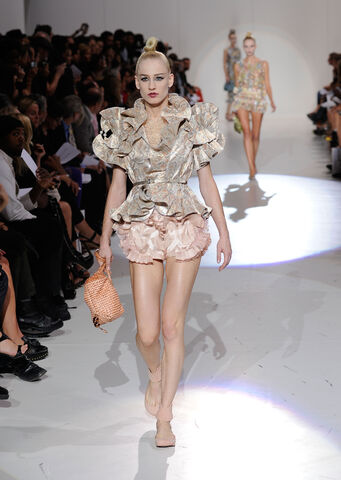 File:Marc Jacobs - SS10C 002.jpg