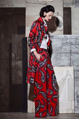 File:DSQUARED2 - Pre-Summer 2015 RTW Collection.jpg