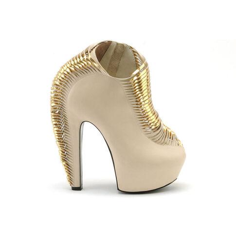 File:Iris van Herpen x United Nude - Synesthesia Ivory Nappa shoe.jpg
