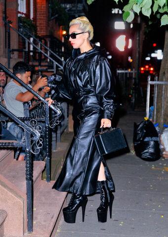 4 - Lady Gaga - Σελίδα 10 340?cb=20180529125021