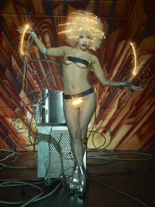 5-14-09 David LaChapelle 028
