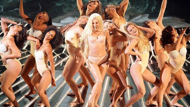 File:10-27-13 The X Factor Performance 003.jpg