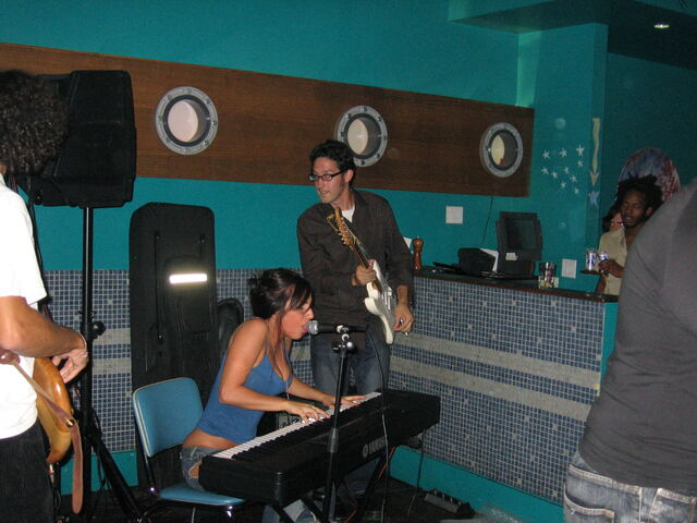 File:9-17-05 Rehearsal room with Frankie Fredericks 001.jpg