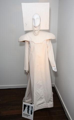 File:Mia Gyzander Costumes - 2013 MTV VMA 001.jpg