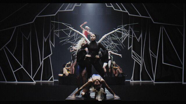 File:Applause Music Video 061.jpg