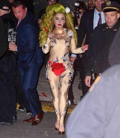 File:4-6-14 Leaving the Roseland Ballroom in NYC 001.jpg