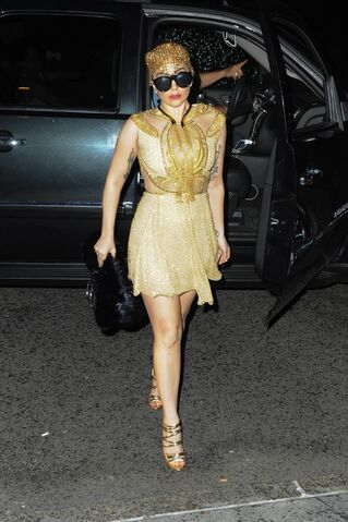 File:7-27-14 Back to her apartment in NYC 001.jpg
