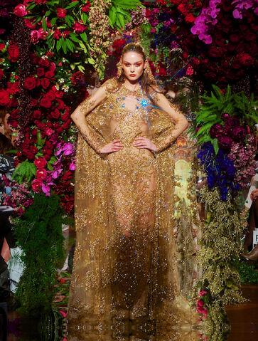 File:Jaime Lee - Golden dress.jpg