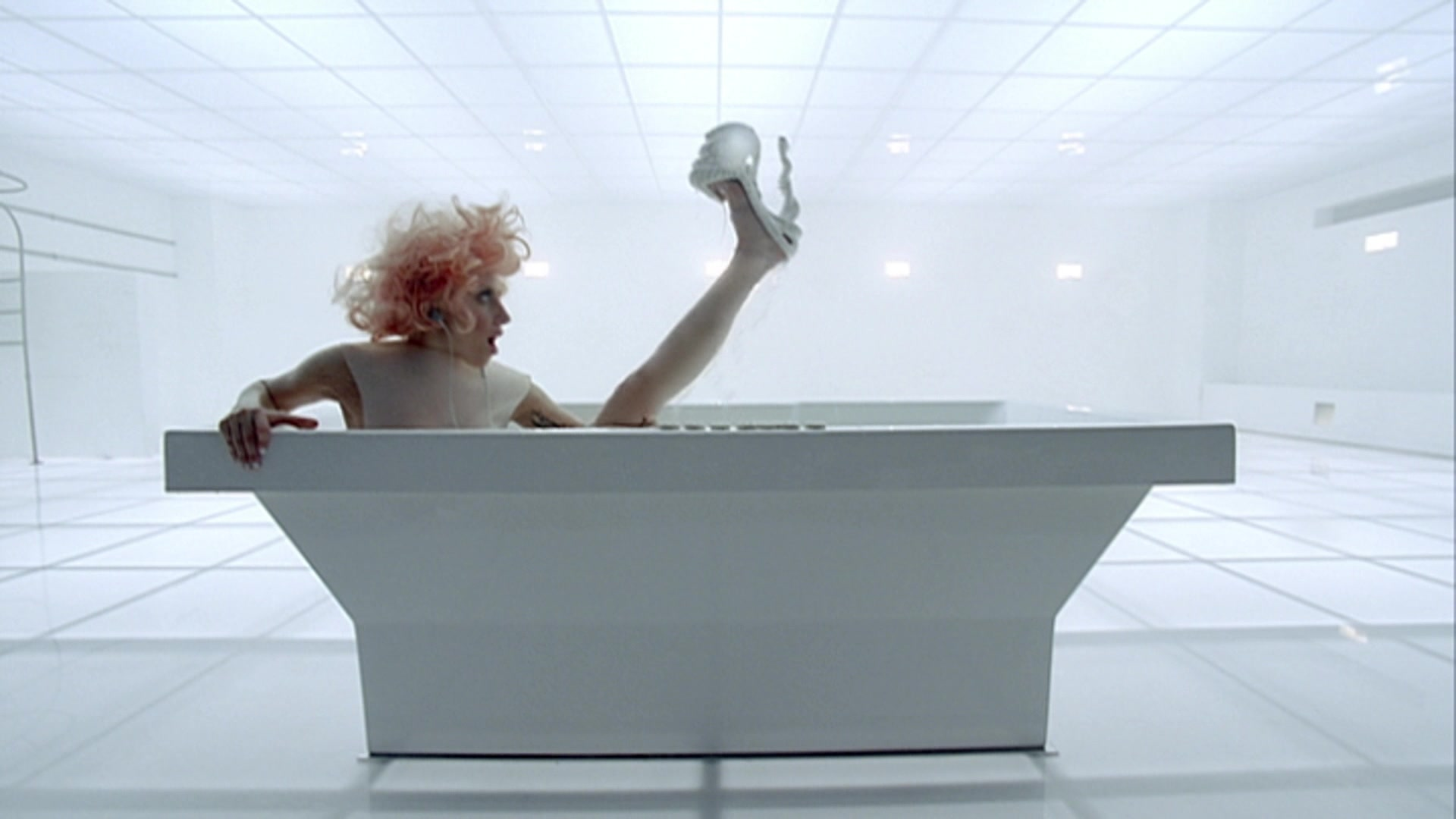 File:Lady Gaga - Bad Romance 013.jpg
