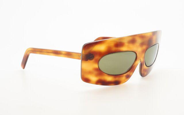 File:Oliver Goldsmith - Vintage frames.JPG