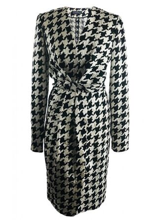 File:Salvatore Ferragamo Fall 2011 RTW Houndstooth Print Longsleeve Dress.jpg
