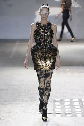 File:Manish Fall 2009 RTW.jpg