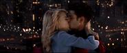 Peter & Gwen kissing