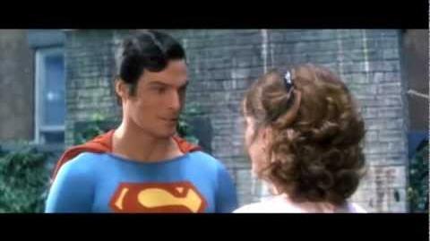 Superheroes kisses HD