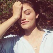 Phoebe-Tonkin-Beautiful-Instagram-Pictures