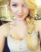 Dove-cameron-sept-20-2013-5
