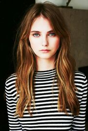 E3be8262ac1ea803a78697e2346b53bd--girl-with-brown-hair-lighter-hair