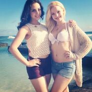 Cdca92be033104c2d9ba577add925922--dove-cameron-bikini-best-friends