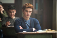 170413-riverdale-archie-news